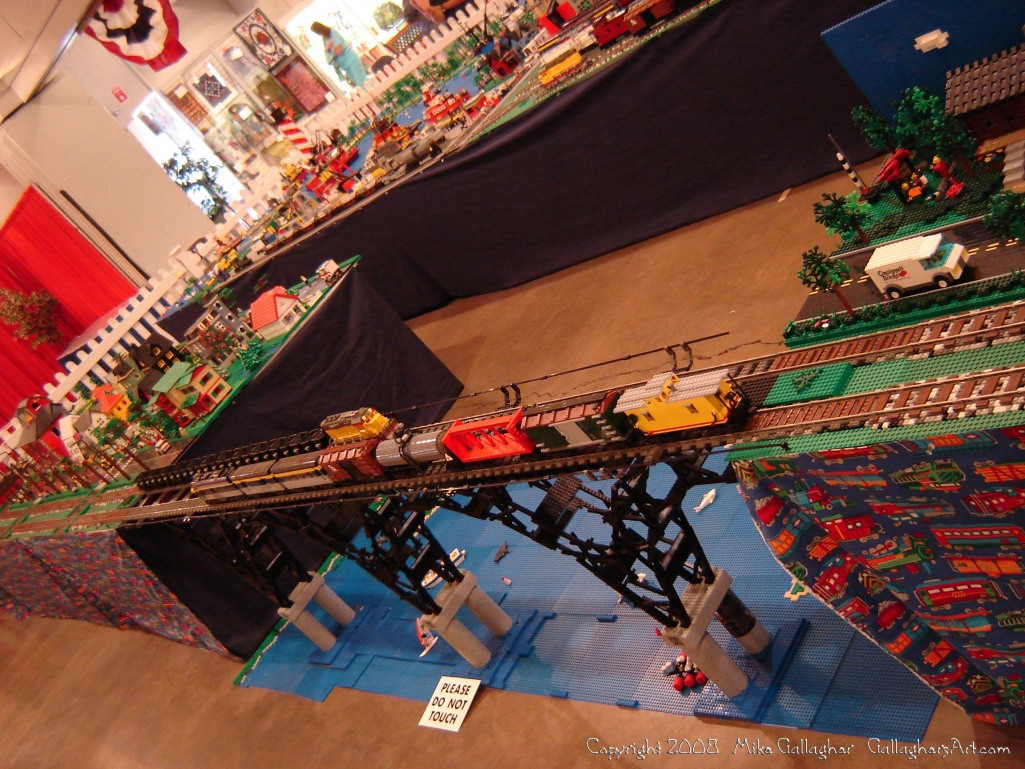 Dsc02519 1 from Ohio State Fair 2008 GallaghersArt_dsc02519_1.jpg - My part of the COLTC LEGO display.