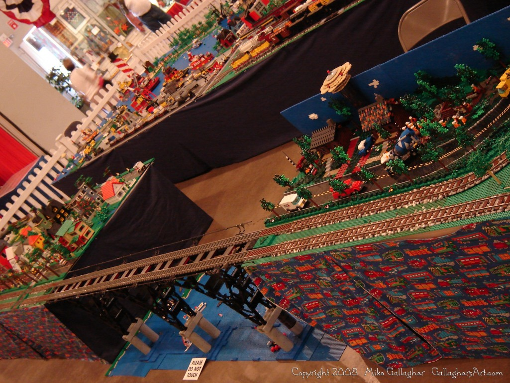 Dsc02525 1 from Ohio State Fair 2008 GallaghersArt_dsc02525_1.jpg - My part of the COLTC LEGO display.