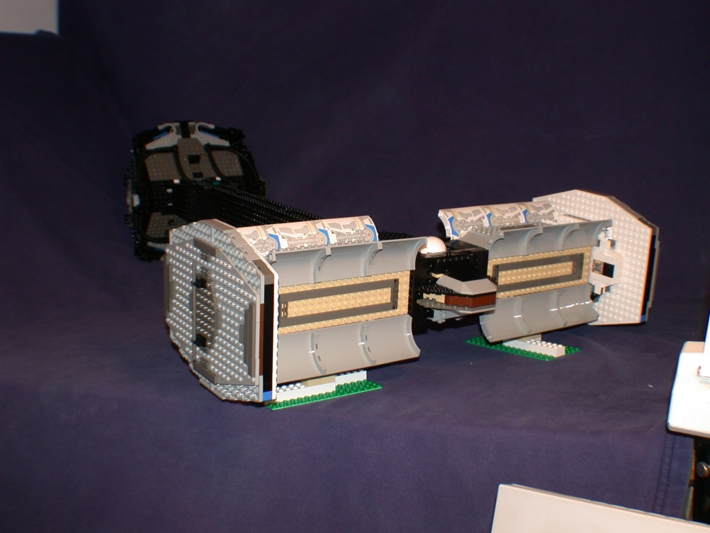 Rear bay open 02 from LEGO Space Mother Ship GallaghersArt_rear_bay_open_02.jpg