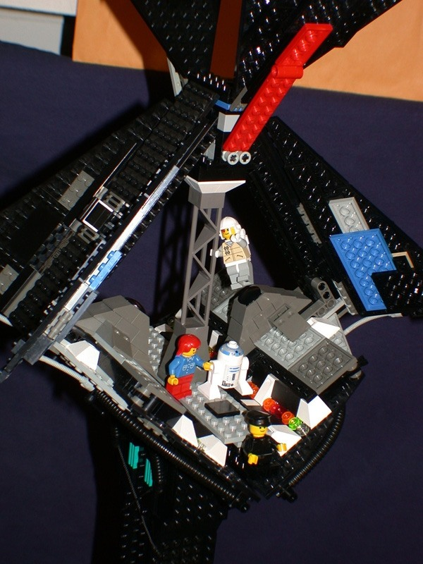 D safetybreak from LEGO Space Mother Ship GallaghersArt_d_safetybreak.jpg - Outer Layers opened