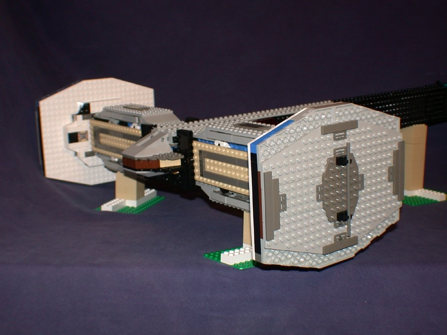 Dscn0742 from LEGO Space Mother Ship GallaghersArt_dscn0742.jpg
