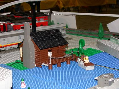 from LEGO Log Cabins Log_Cabin_412.jpg - 1st Public Display of my custom LEGO Log Cabin